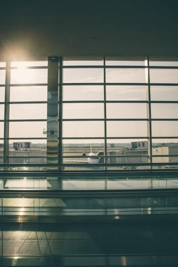 unsplash-plane-runway